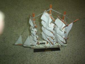 VINTAGE WOODEN WHALING SHIP CLIPPER 1846 SHIP MODEL - WOOD