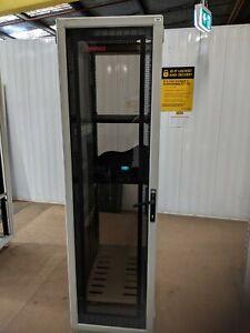 42 RU server cabinet / comms cabinet frestanding compaq used