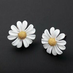 Hot White Daisy Short Paint Stud Earrings Stick Drop Women Jewelry Gifts Charm