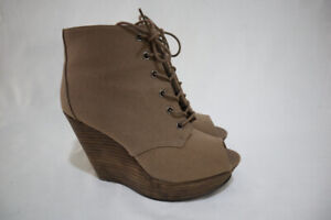 new look vintage Size 8 Womens Peep Toe Mules Lace Up Platform Wedge Booite