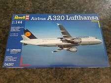 Revell 1/144 Airbus A320 Lufthansa Aircraft Complete Great Condition