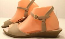 GH.Bass&Co Off White Beige Leather Comfy Wedge Sandal SHOES Womens 9 Narrow EUC