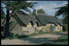 301067 Thatched Cottages Hidcote Bartrim A4 Photo Print