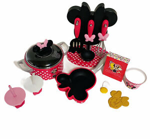 Disney Minnie Mouse 15 Piece Kitchen Play Set Pot, Pan, Utensils, Cups, Food