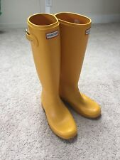 HUNTER Women's Size 10 Yellow Original Tour Rain Boots (Packable)