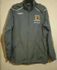 HULL CITY FOOTBALL CLUB COAT SIZE S SMALL MENS UMBRO KAROO EXCELLENT CONDITION