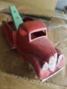 """Antique Erie? Wrecker/Tow Truck Cast Iron Red Very Nice Used Cond. 7""""L"""