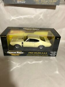1968 Oldsmobile 442 Yellow 1:18 Ertl American Muscle 33499