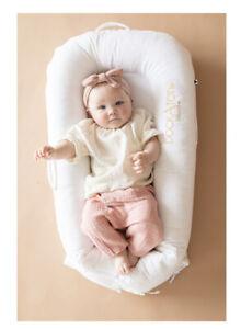 Dockatot DELUXE+ Dock in Pristine White Perfect Condition - Sleep Nest.