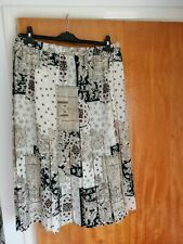 BHS Pleat Print skirt size 18 With elasticated waist