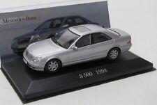 Mercedes Benz S 500 / W220 ( 1998-2005 ) silber met. / IXO 1:43