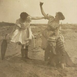 Menage a Trois Women Man Ragtime Risque Beach Umbrealla 1910s Photo Stereoview