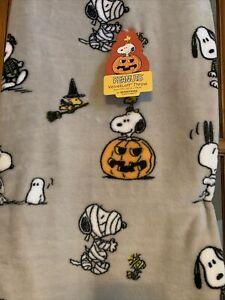 """New Berkshire Peanuts Snoopy Halloween Pumpkin Fall Throw Blanket 50""""x70"""""""