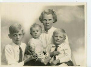 9 x 7 Original Marcus Adams Photo Lady Sir Reginald Butler & Enfants