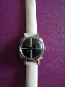 Ladies Vintage Timex Fashion Watch Rare
