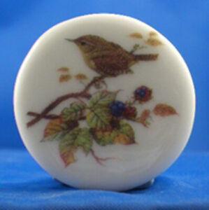 Birchcroft  China Button - Wren - One Inch Size ( 25 mm )