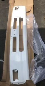 NEW NISSAN WHITE UD FRONT BUMPER 1800 2300 2600 3000 3300