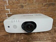 Panasonic PT-EZ590 PROIETTORE 5400 ore Lumens 931 Lampada utilizzata senza telecomando 324471