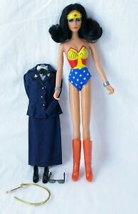 "Vintage 1975 Mego Lynda Carter 12"" Doll WONDER WOMAN W/ Uniform Sunglasses Lasso"