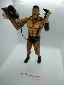 WWE Classic Superstars Wrestling Figure - Giant Gonzalez JAKKS 2005 with Weapon