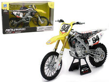 SUZUKI RM-Z 450 #94 KEN ROCZEN 1/6 MOTORCYCLE MODEL BY NEW RAY 49523