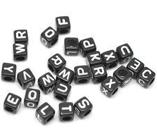PD: 500 Schwarz Alphabete Buchstaben Acryl Würfel Perlen Beads 6x6mm