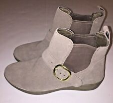 Fitflop Superbuckle Suede Chelsea Ankle Boots Size 7.5 Desert Taupe Pull On NWOB
