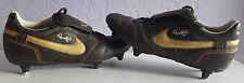 Ronaldinho 10 NIKE Chaussures de football, noir et or, RARE, taille UK 7.