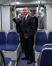 BARACK OBAMA TOURS CAR IN METRO TRANSIT FACILITY IN ST. PAUL 8X10 PHOTO (ZY-591)