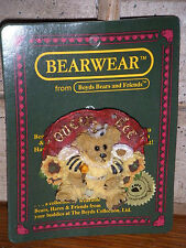 Boyds Bears 1999 ~Victoria(Queen Bee)~ Event Bearwear Pin Style# 01999-72