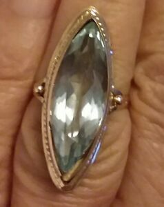 Beautiful  vintage 12 k yellow gold and light blue topaz navette ring size 6