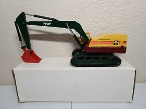 Bucyrus-Erie 40-H Excavator with Red Bucket - NZG 1:50 Scale Model #139.2 New!