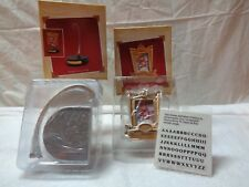 NEW 2005 HALLMARK ORNAMENT DISPLAY STAND & PERSONAL BASEBALL/SOFTBALL PHOTO HLDR