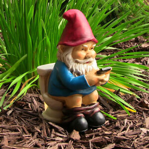 Sunnydaze Cody the Gnome Reading Phone on the Throne - Outdoor Garden Accent -9""