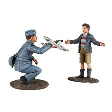 Britains World War 2 Allies 25027 British Raf Pilot With Model & Child Mib