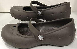 Crocs Alice Girls Size 10/11 Brown Mary Jane Water Sandal Shoes Excellent Condit
