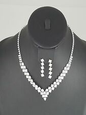 Silver and Clear Diamond Shaped FASHION Necklace Set