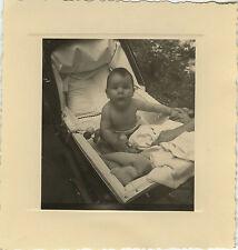 PHOTO ANCIENNE - VINTAGE SNAPSHOT - ENFANT LANDAU DRÔLE - CHILD BABY CARRIAGE