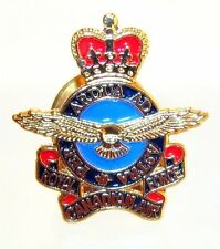 Canada RCAF Royal Canadian Air Force Air Operation Golden lapel pin 1953 - 68