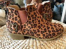 Bnwt Boots Chelsea Print Size 5