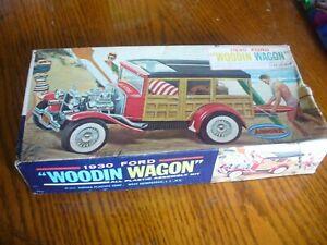 AURORA The WOODIN WAGON Kit No. 558  1930 FORD WOODIN WAGON
