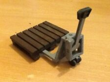 PAIR OF PALLET TROLLEYS FOR GARDEN RAILWAY 16MM SCALE. EASY BUILD KIT