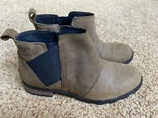 Sorel Women's Emelie Chelsea Brown Ankle Boots Size 8.5 Leather Waterproof EUC
