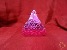 Boite à dragée en forme de pyramide rose argenté X25