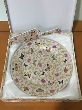 BRAND NEW Beautiful Butterfly Fine Porcelain Cake Plate with Cutter 10.5 inches