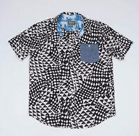 Modern Amusement Men's Black&White short sleeved Casual Shirt Size Medium