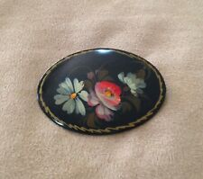 BEAUTIFUL PRELOVED HANDPAINTED & LACQUERED RUSSIAN BROOCH - C CLASP & SIGNED