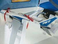 BOEING 787 DREAMLINER  LARGE PLANE MODEL SOLID RESIN  AIRPLANE APX 43Cm