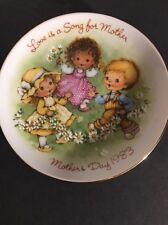 Vintage Avon Collectible Mother's Day Plate 1983 Love is a Song for Mothers