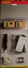 Brand New Hornby 00 Gauge Trackside Accessory Pack
